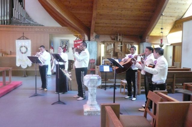Easter 2014 at All Saints/Cristo Rey in Watsonville, California. (The Rev. Michael Dresbach)