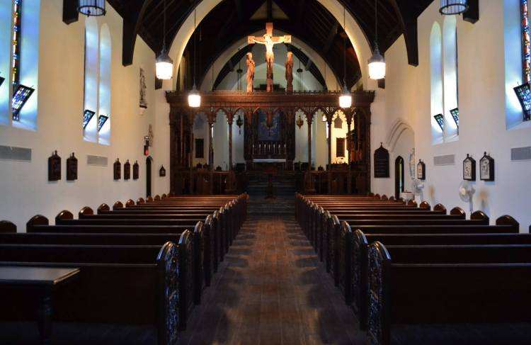 Chapel of the Community of the Transfiguration, an order of women in Cincinnati, Ohio. (convent photo, 2014)
