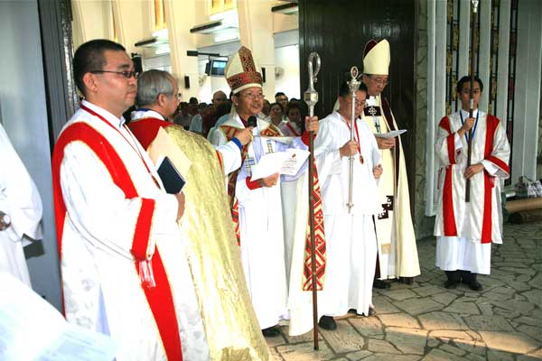 Archbishop Bolly Lapok at his installation as Metropolitan of the Province of South East Asia. (Parochial Sarawakian blog)