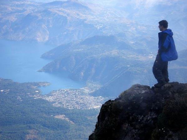 For the beauty of the Earth: Lake Atitlan, Guatemala. (Mundo Chapin)