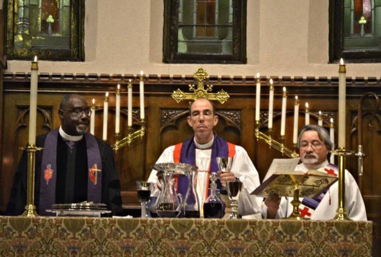 A joint Communion service for the Feast of John and Charles Wesley, Priests, held 3 March at Trinity Episcopal Church, Hattiesburg, Mississippi with United Methodist Bishop James Swanson and Episcopal Bishop Brian Seage. (Jeanie Munn)