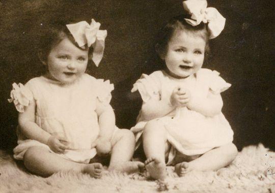 Eva and Miriam Mozes, age 12 months. (CANDLES Holocaust Museum)