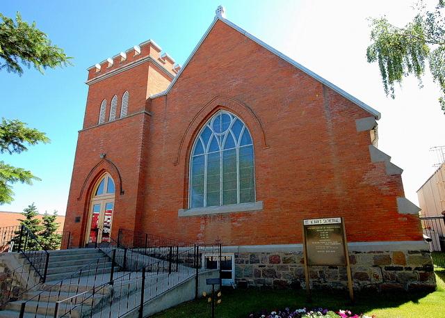 St. Alban's Cathedral, Prince Albert, Saskatchewan. (glasscloud.ca)