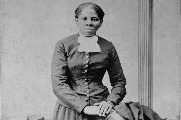 The USA has decided to change its $20 bill, retiring the 7th President Andrew Jackson, a populist Democrat and White supremacist, in favour of Harriet Tubman, who led a thousand slaves to freedom before and during the Civil War. She will become the first woman on paper money. (H.B. Lindley, Library of Congress)