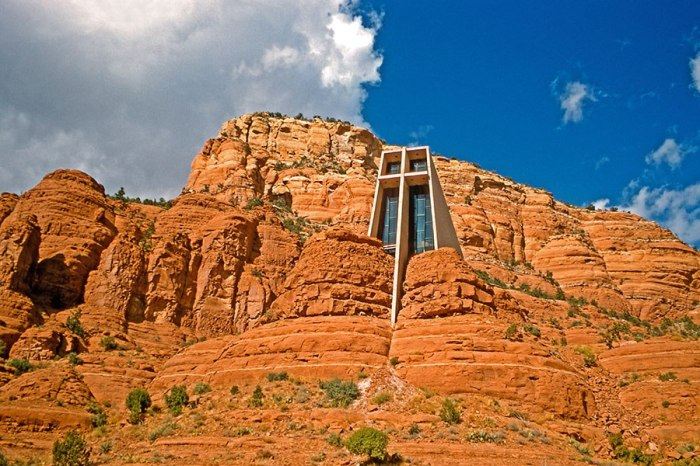 Chapel of the Holy Cross, Sedona, Arizona (M&N/Alamy)