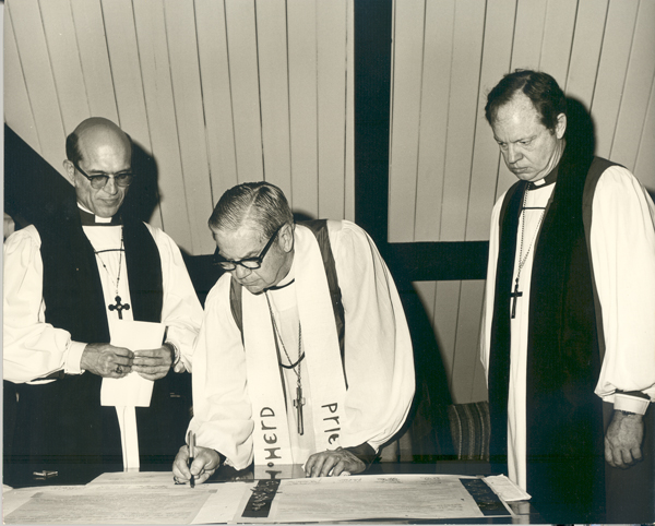 The Diocese of Mississippi is mourning the death of the Rt. Rev. Duncan M. Gray, Jr., its seventh bishop, seen here on the right at his consecration with Presiding Bishop John E. Hines, center, and Bishop John Maury Allin, the sixth Bishop of Mississippi who succeeded Hines as Presiding Bishop. Bishop Gray Jr., who served from 1974-1993, was known for his opposition to racism in this Deep South state, and his continual appeals for tolerance and inclusion throughout the diocese, which long nurtured a sense of unity and family feeling. The Gray family has been so popular that Mississippi has elected them bishops three times; Duncan Senior, Junior and the 3rd. (episcopalarchives.org)