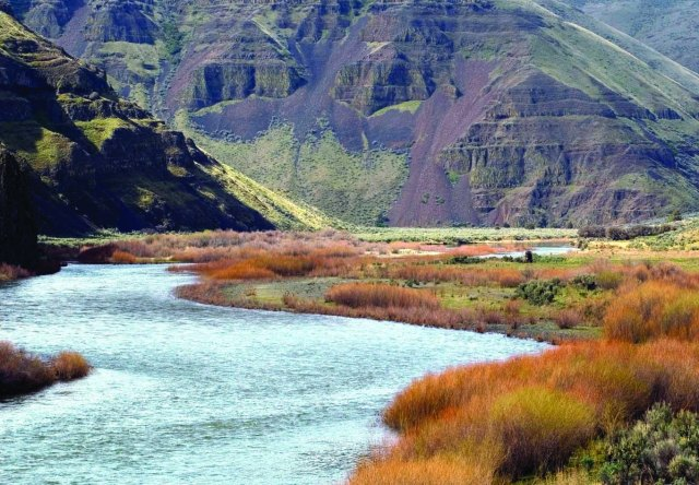 John Day River in Cottonwood Canyon State Park near Wasco, Oregon. (Western Rivers Conservancy)