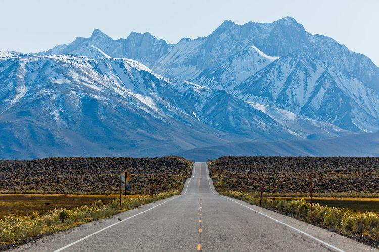 Sierra Nevada Mountains, California: O ye mountains and hills, praise ye the Lord. (Wikipedia)