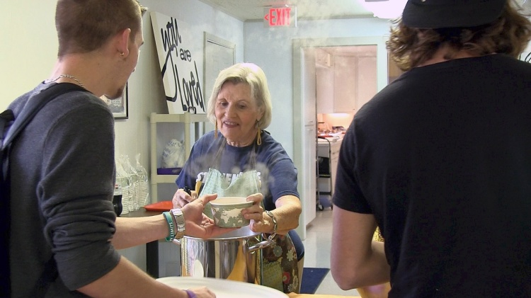 Free weekly lunches for college students at St. Luke's, Stephenville, Texas in the Diocese of Fort Worth; see video below. (The Rev. Mary Frances Schjonberg/Episcopal News Service)